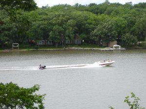 Lake Panorama - Boat pulling a tuber